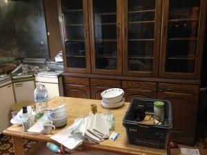 食器棚、テーブル等の引き取り前