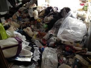 台所の大量ゴミ片付け前1