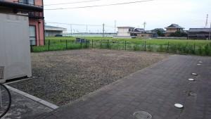 アパート敷地の除草後2