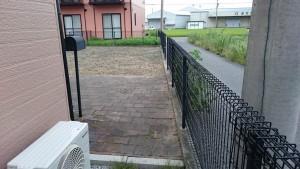 アパート敷地の除草後3